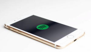 why spotify and other apps crash on ios devices